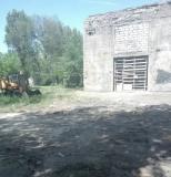 Участок со зданием в Запорожье, под магазин с парковкой Запоріжжя